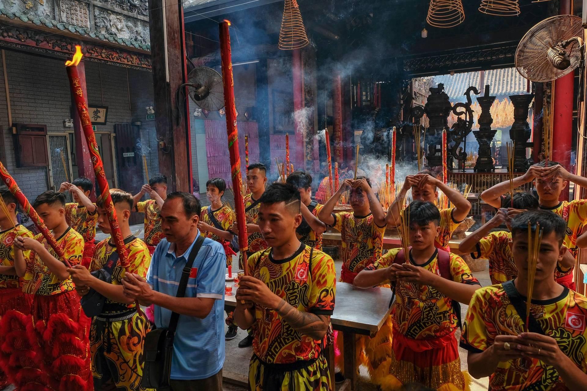 Lion Dance Groups Get Roaring in Saigon's Chinatown
