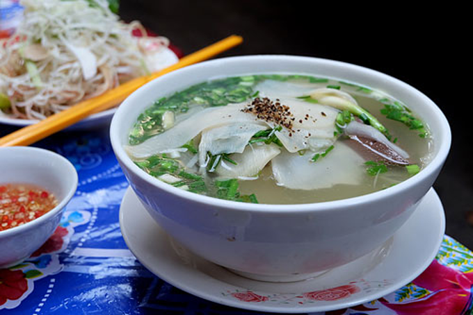 Taste Trumps Price For 60 Years at Saigon Duck Vermicelli Soup Stall